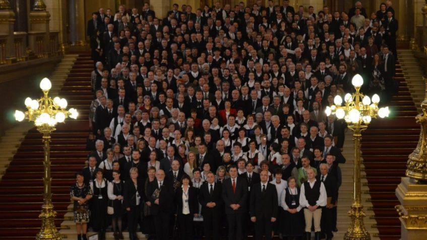 Jubileumi konferencia a Parlamentben és a Vigadóban